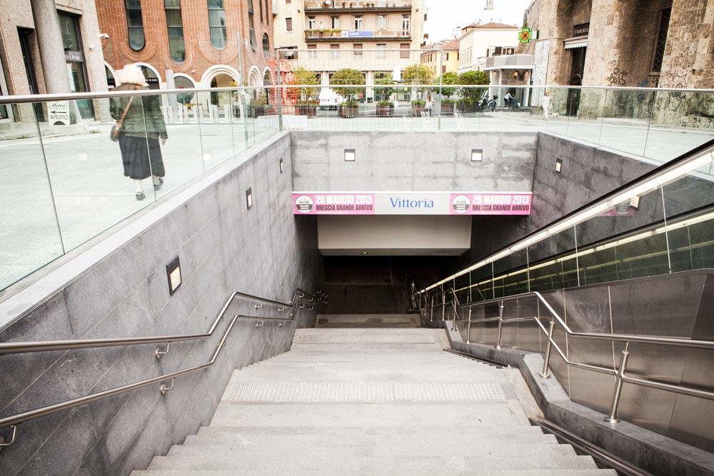 Metropolitana Brescia - Ingresso esterno Piazza Vittoria